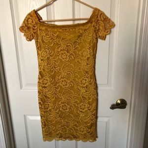 Off-the-shoulder Yellow lace mini dress